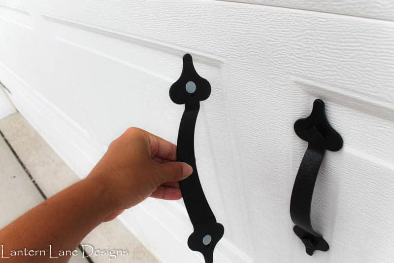 Upating your garage door to look like a carriage door using magnets
