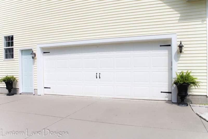 Beautiful Updating Your Garage Door With Magnetic Hardware