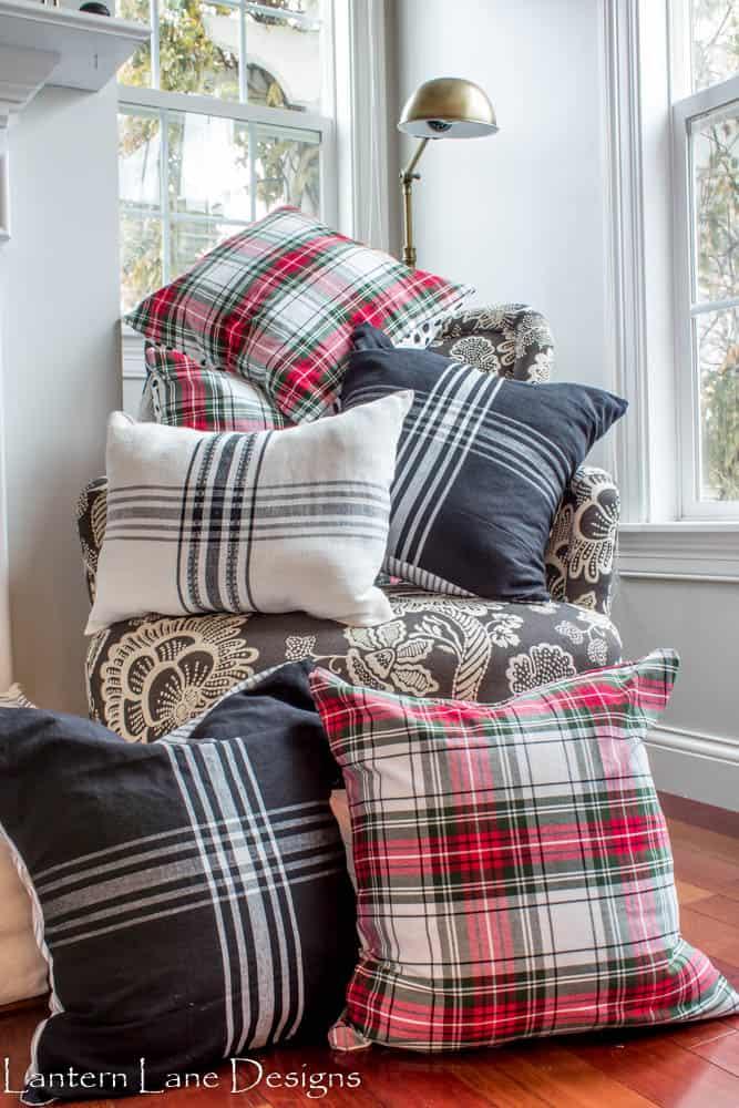No sew pillows using napkins