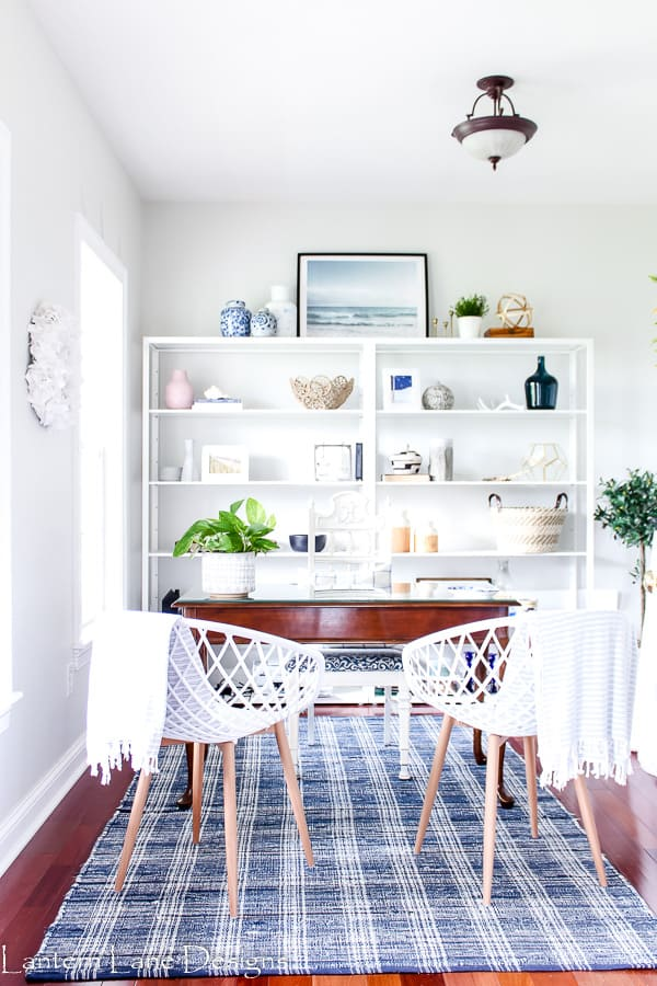 Small Home Office Ideas Using Inexpensive Shelves From Ikea #homedecor #diyhomedecor #homeoffice