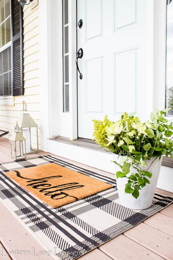 Front Porch Decorating Ideas #diyhomedeco #homedecor