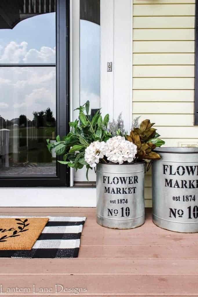 Front Porch Planter Ideas #fall #frontporch #diyhomedecor