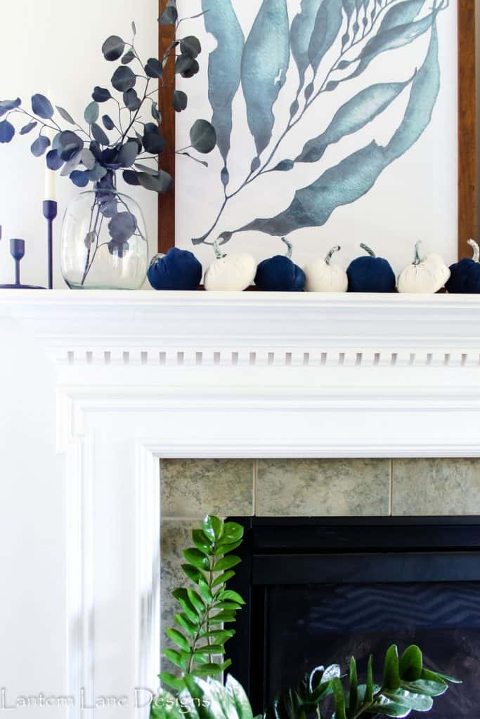 Fall Mantel Decor Ideas Using Blue and White #falldecor #homedecor