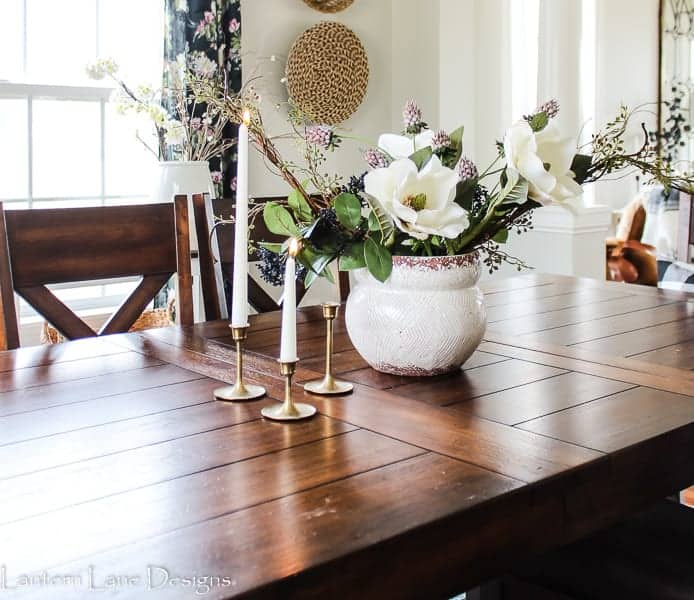 How to make a floral centerpiece with fake flowers