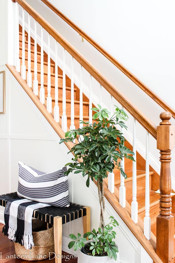 Hallway decor ideas bench