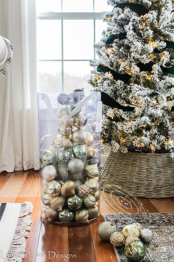 How To Decorate Christmas Tree