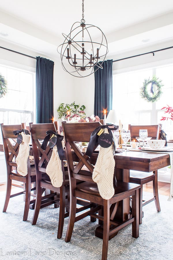 Dining room table settings for christmas