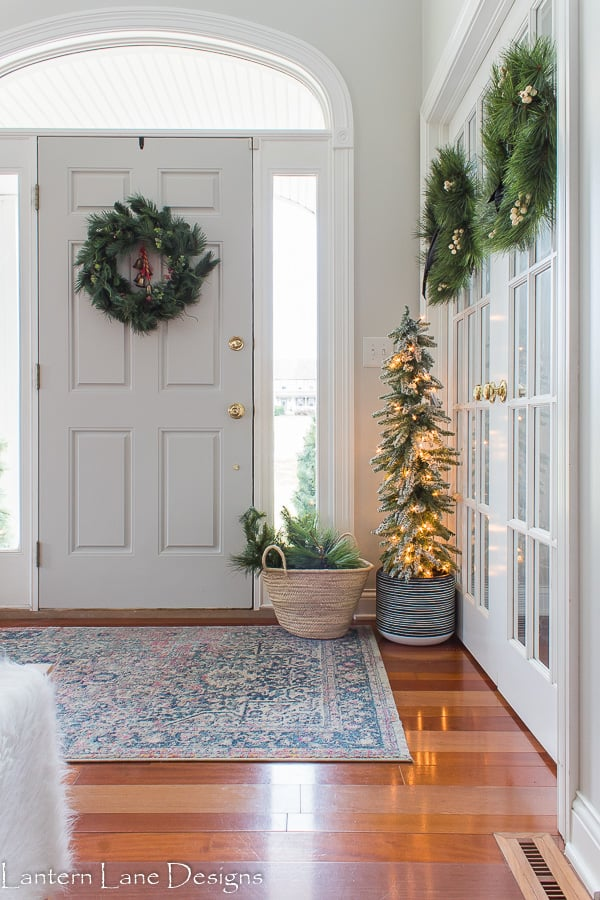 Christmas Decor Ideas using wreaths