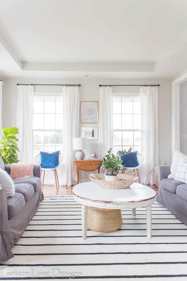 How To Make Your Room Feel Larger With Curtains