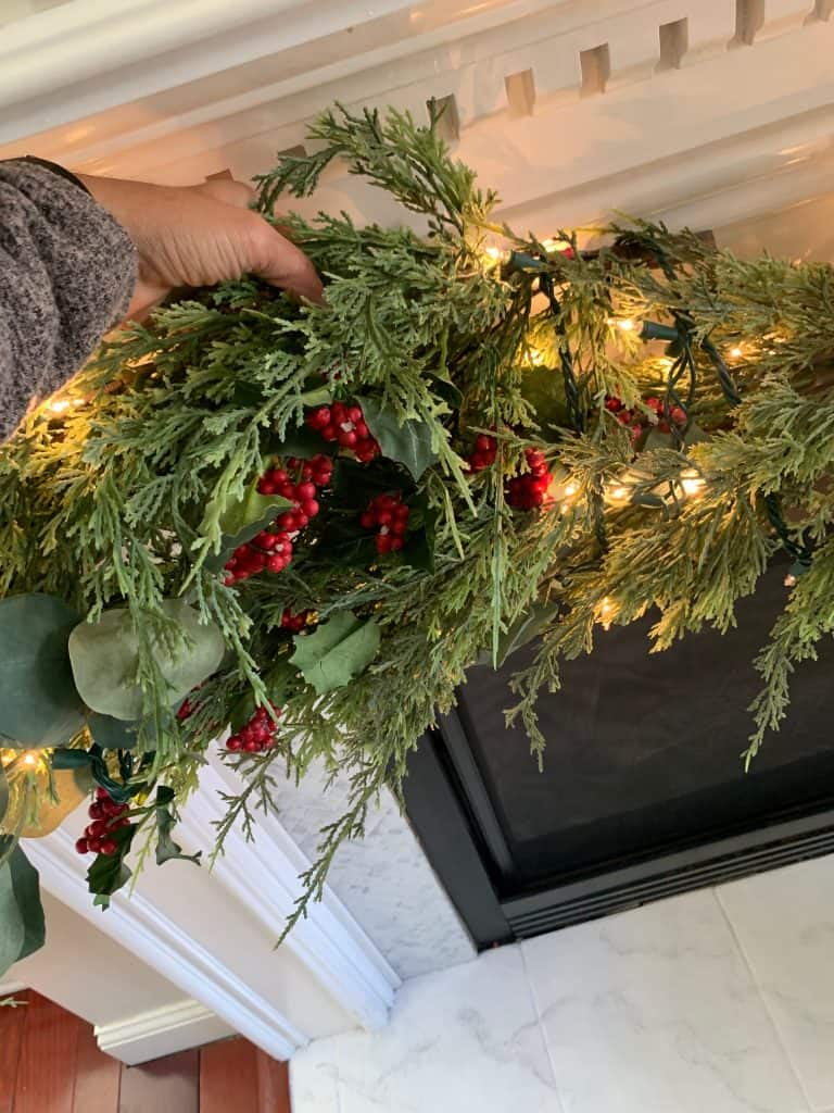 How to hang garalnd on mantel
